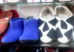 Felt Shoes- Standard Pashmina & Handicrafts House